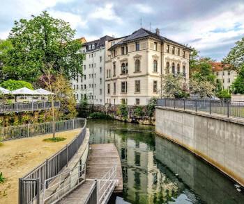 Schönes altes Haus direkt an einem Kanal in Leipzig